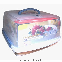 Lock and Lock Portable Cake Box. Original product image, © Cookability