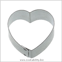 Kitchencraft Heart Cookie Cutter. Derived work from original images, © Thomas Plant 2006 and prior, used with permission.