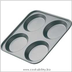 Bakeware Yorkshire Pudding Tray. Derived work from original images, © Thomas Plant 2006 and prior, used with permission.