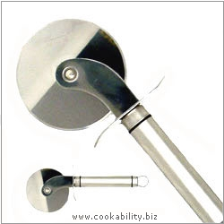Short Handle Pizza Wheel Cutter. Original product image, © Cookability