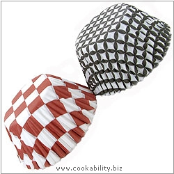 Easybake Chequered Muffin Cases. Original product image, © Cookability