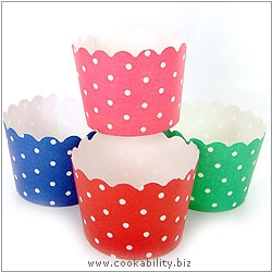 Easybake Party Cups Polka Dot. Original product image, © Cookability