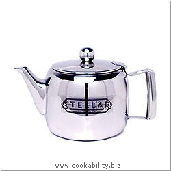 Stellar Traditional Teapot. Original product image, © Cookability