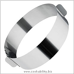 Judge Adjustable Cake Ring. Derived work from original images, © Horwood Homewares Ltd, used with permission.